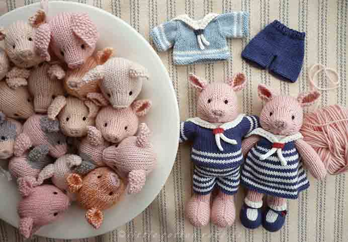 Julie at Little Cotton Rabbits has these adorable Piggy Knitted Toy patterns. What a beautiful handmade gift they would make. Please share. Join now for creative craft inspiration. The best in craft delivered to your inbox every Monday - CraftyLikeGranny.com #christmascraft #christmas #crafts #diy