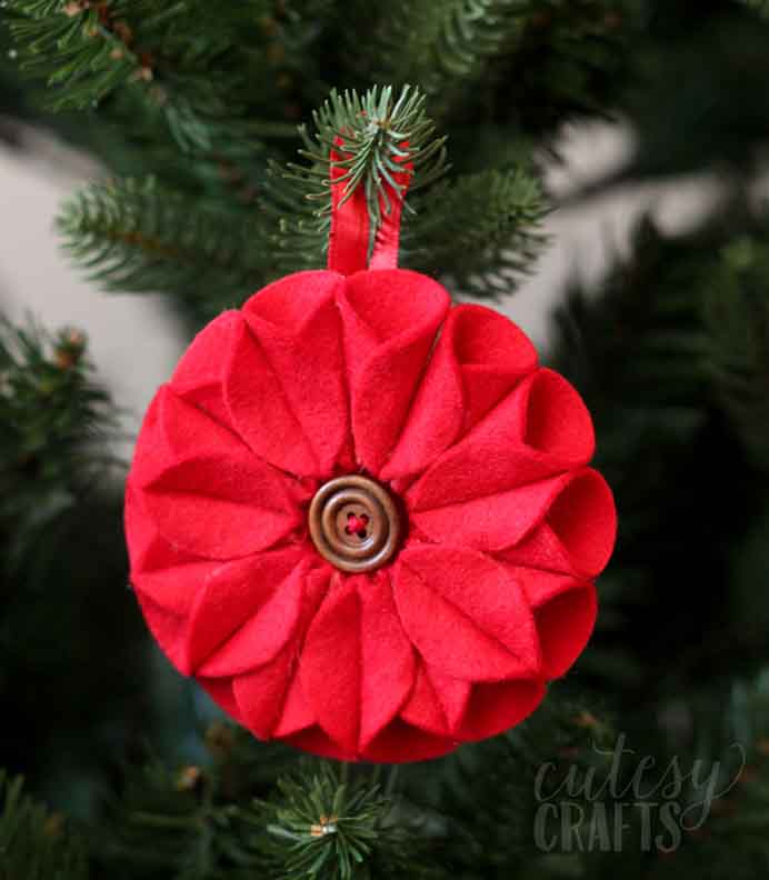 Poinsettias are very popular decorations. Create your own ornament with the help of Jessica's tutorial from Cutesy Craft. A gorgeous addition for the holiday season.Please share and make Mondays fun, get our craft inspiration delivered to your inbox - CraftyLikeGranny.com