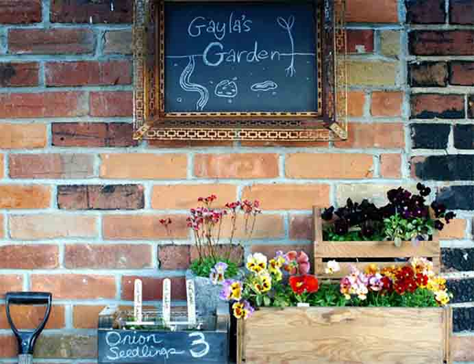 gaylas_garden You Grow Girl A beginners guide to gardening with an amazing list of resources by Gayla Trail at Grow Girl. Gayla's writing is inspiring, as are her tips for beginning a garden. Please share. Look forward to Mondays with our craft inspiration newsletter. Crafty goodness delivered to your inbox - CraftyLikeGranny.com #gardening