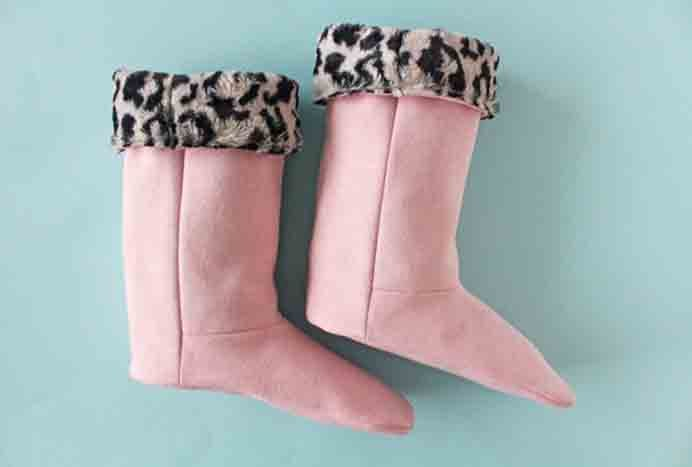 tilly buttons sewing pattern slipper boots. Warm feet are essential in the cold months. Make your own fleecy faux fur snuggly slippers with Tilly from Tilly and The Buttons tutorial. Please share. Join now for creative craft inspiration. The best in craft delivered to your inbox every Monday - CraftyLikeGranny.com #sewing