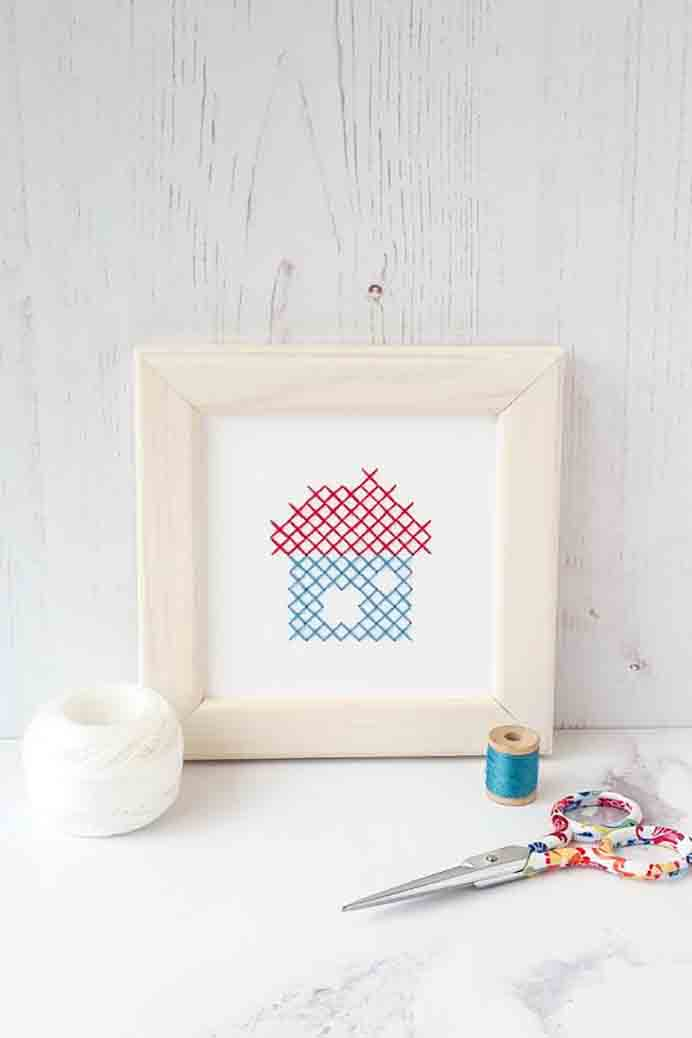 How To Cross Stitch On Paper. Learn how to create simple and effective designs for cross stitch on paper. Follow Susan from Red Gate Stitchery's tutorial. Please share. Join now for creative craft inspiration. The best in craft delivered to your inbox every Monday - CraftyLikeGranny.com #Crossstitch
