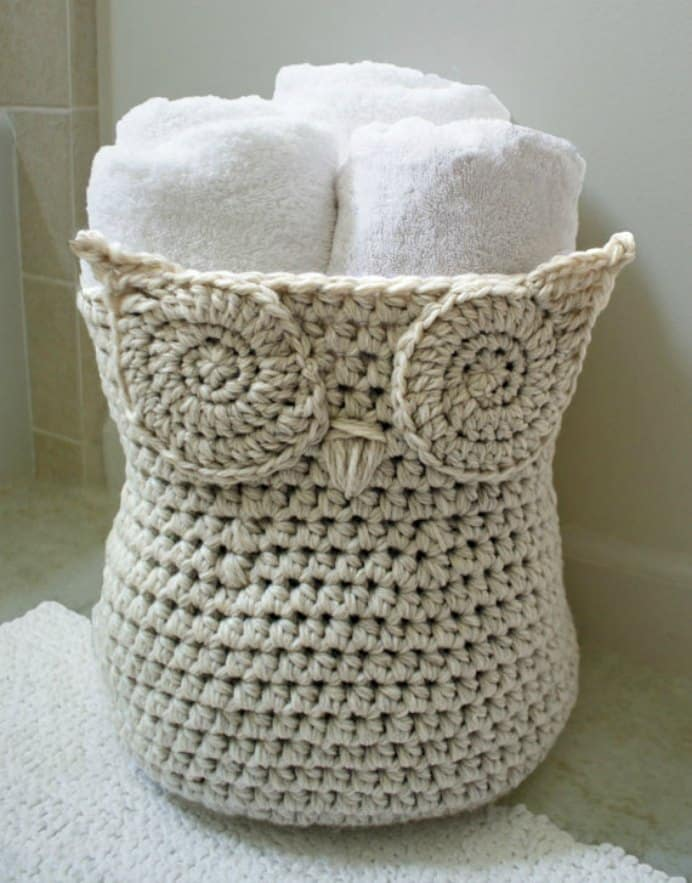 This multipurpose Crocheted Owl basket is also great for storing towels or toys in the kids rooms or the crafty odds and ends you've been collecting up in the living room. Please share. You will always look forward to Mondays, with our craft inspiration roundups -CraftyLikeGranny.com #crochet