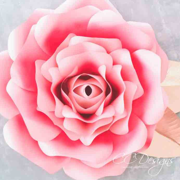 How to Make Paper Roses. These large Alora Garden paper roses are stunning! Follow Linda from Burlap and Blue's tutorial. Please note, this project requires practice, time and patience :) Please share. Sign up to our craft inspiration roundup newsletter and make Mondays more manageable. Fabulous Crafty ideas and projects delivered to your inbox - CraftyLikeGranny.com#Papercraft #Paperflowers
