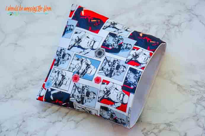 Learn How To Sew Resuable Snack Bags. You could use any material that you liked. Kristi from I Shoule Be Mopping The Floor uses a Star Wars theme for her snack bags. Learn how to make them using her tutorial. Please share. The best in craft delivered to your inbox every Monday - CraftyLikeGranny.com #sewing