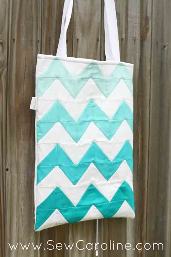 Chevron + Ombre Tote. Follow Caroline's Tutorial at Sew Caroline to make this visually stunning tote. Using some quilting techniques, Please share. You will always look forward to Mondays, with our craft inspiration roundups -CraftyLikeGranny.com #Sewing