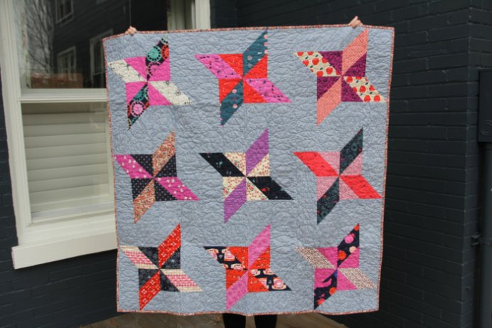 Erin from House on Hill Road has been busy making a quilt for her niece. The result is stunning. Take a look... Please share and make Mondays fun, get our craft inspiration delivered to your inbox - CraftyLikeGranny.com #quilting