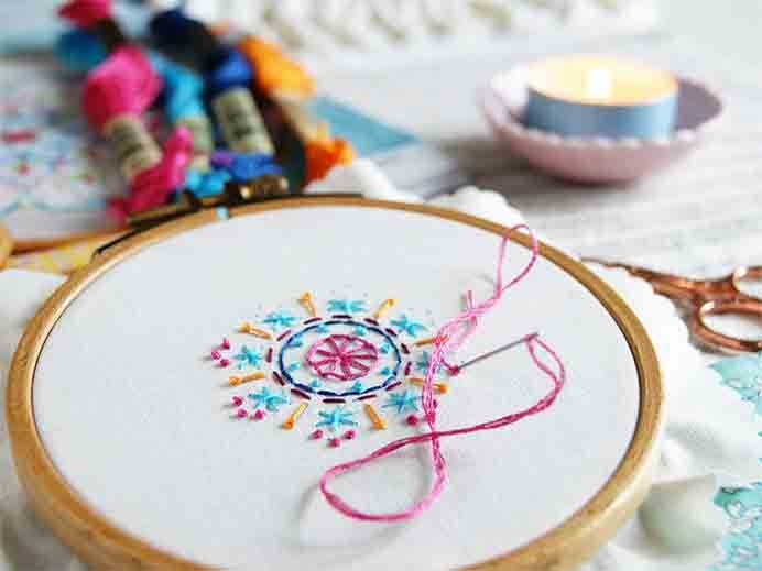 Try Mindful Embroidery. You often hear people talk of crafts being a form of mindfulness. This is an interesting interview with Carina, an embroidery designer and how she considers embroidery a practice in mindfulness. Please share and make Mondays fun, get our craft inspiration delivered to your inbox - CraftyLikeGranny.com #embroidery #mindfulness