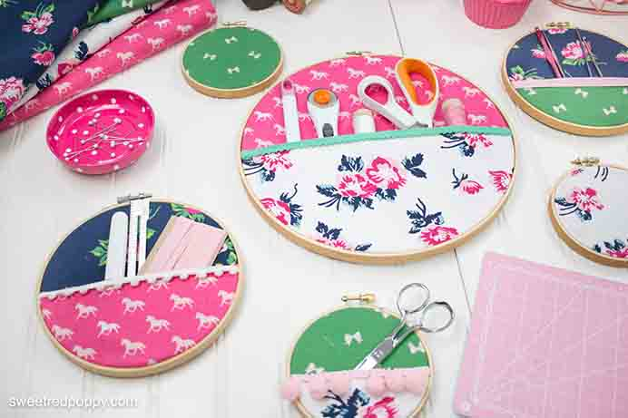 Embroidery Hoop Hanging Wall Organizer. What a great idea to organize your craft room notions. Follow the tutorial on how to make them on Polka Dot Chair. Please share. Look forward to Mondays with our craft inspiration newsletter. Crafty goodness delivered to your inbox - CraftyLikeGranny.com #craft #craftideas #DIY