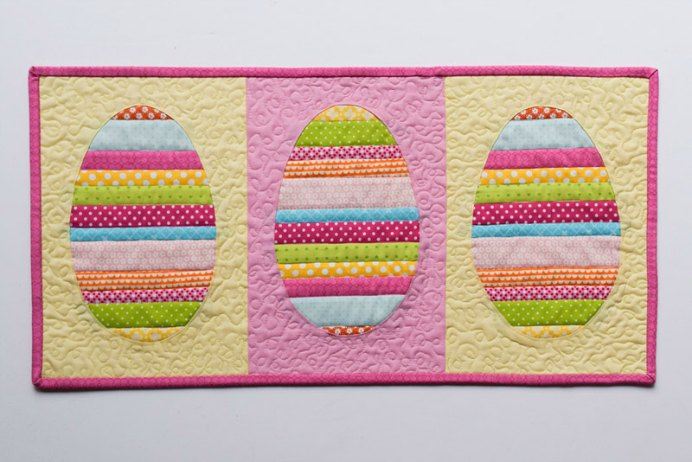 Peta at She Quilts Alot has an excellent tutorial on how to create an Easter Egg Table Runner. This runner will brighten up any Easter celebration table in your home. Please share. Make Mondays more manageable and sign up for our craft inspiration newsletter. Delivered to your inbox - CraftyLikeGranny.com #quilting #sewing