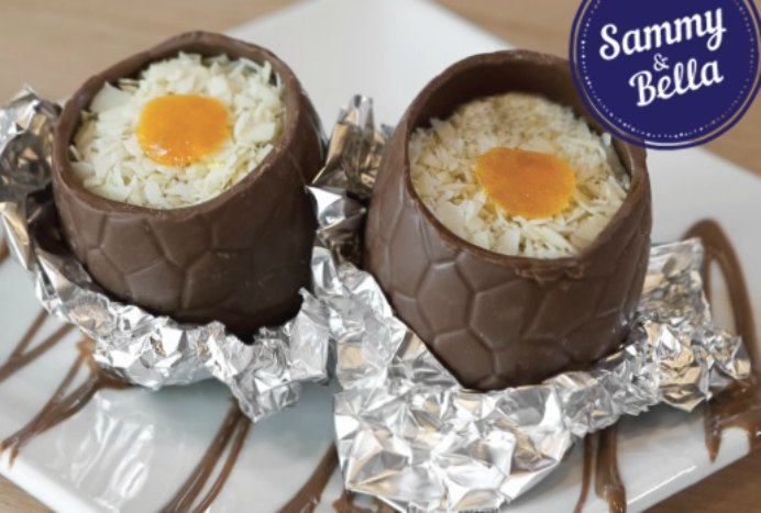 These choc orange filled eggs with candied almonds are soooo decadent. Sammy and Bella created this amazing recipe for those who have time in the kitchen this Easter :)Please share. You will always look forward to Mondays, with our craft inspiration roundups -CraftyLikeGranny.com #easterrecipes #recipes
