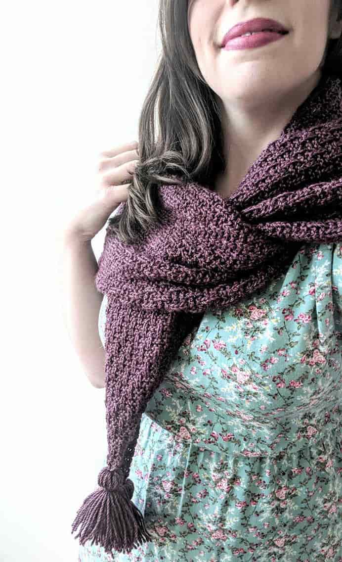 She Conquers Tassel Scarf - Free Knitting Pattern. Lindsey from Chesapeake Needle has created this gorgeous Tassel Scarf knitting pattern. The instructions are easy to follow and she has tutorials for a number of the stitches she uses in the design. Please share. Join now for creative craft inspiration. The best in craft delivered to your inbox every Monday - CraftyLikeGranny.com #knitting #yarn #craft