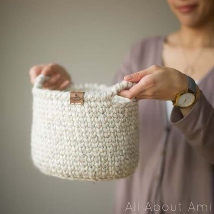 Waistcoat Crochet Basket. Using chunky yarn and the waistcoat crochet stitch you too can create this gorgeous basket by Stephanie at All About Ami. Please share. You will always look forward to Mondays, with our craft inspiration roundups -CraftyLikeGranny.com #crochet #crocheting #crochetpattern