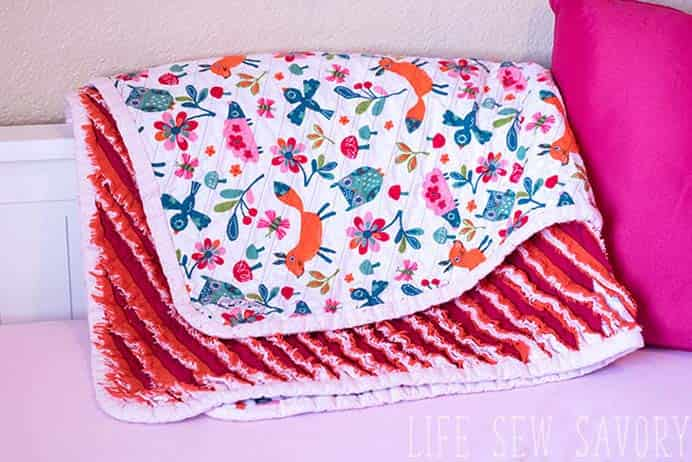 Faux Chenille Blanket Sewing Tutorial. This blanket has two very different and gorgeous sides, both soft and cuddly. Follow Emily's tutorial on Life Sew Savory, which also includes a video of how to put the pieces together. Please share and make Mondays fun, get our craft inspiration delivered to your inbox - CraftyLikeGranny.com #sewingtips #sewing #craft #DIY