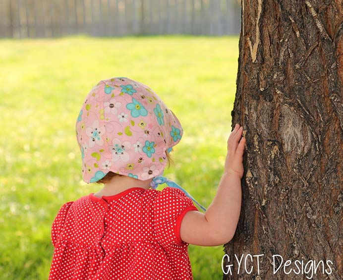 Reversible Petal Hat. For some of you, warmer weather is approaching and this is such a lovely hat for little ones. Chelsea from GYCT Designs has a sewing tutorial on how to make this adorable hat. Please share. Join now for creative craft inspiration. The best in craft delivered to your inbox every Monday - CraftyLikeGranny.com #sewing #sewingtips #sewingpattern