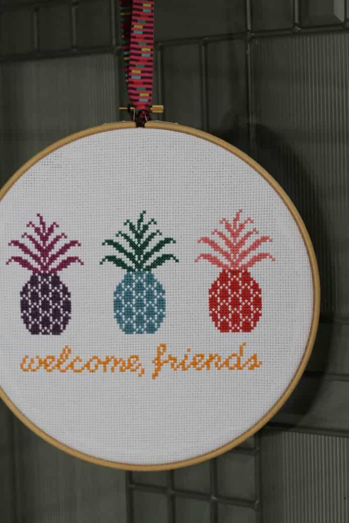 Racheal at Image Gnats free cross stitch pattern speaks to me of summer. Pineapples are a treat in the summertime heat! This is a cute and fun design. Please share. Sign up to our craft inspiration roundup newsletter and make Mondays more manageable. Fabulous Crafty ideas and projects delivered to your inbox - CraftyLikeGranny.com #crossstitch #stitching #needlework