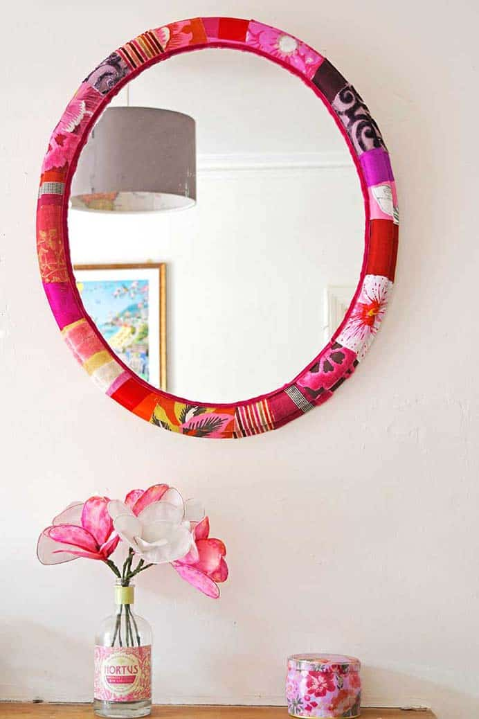 Pillar Box Blue's tutorial on how to create a fabric mirror frame is brilliant! Think of all those beautiful fabric scraps you could use :) Follow her easy instructions to make your own. Please share. You will always look forward to Mondays, with our craft inspiration roundups -CraftyLikeGranny.com #DIY #Craft #Craftideas