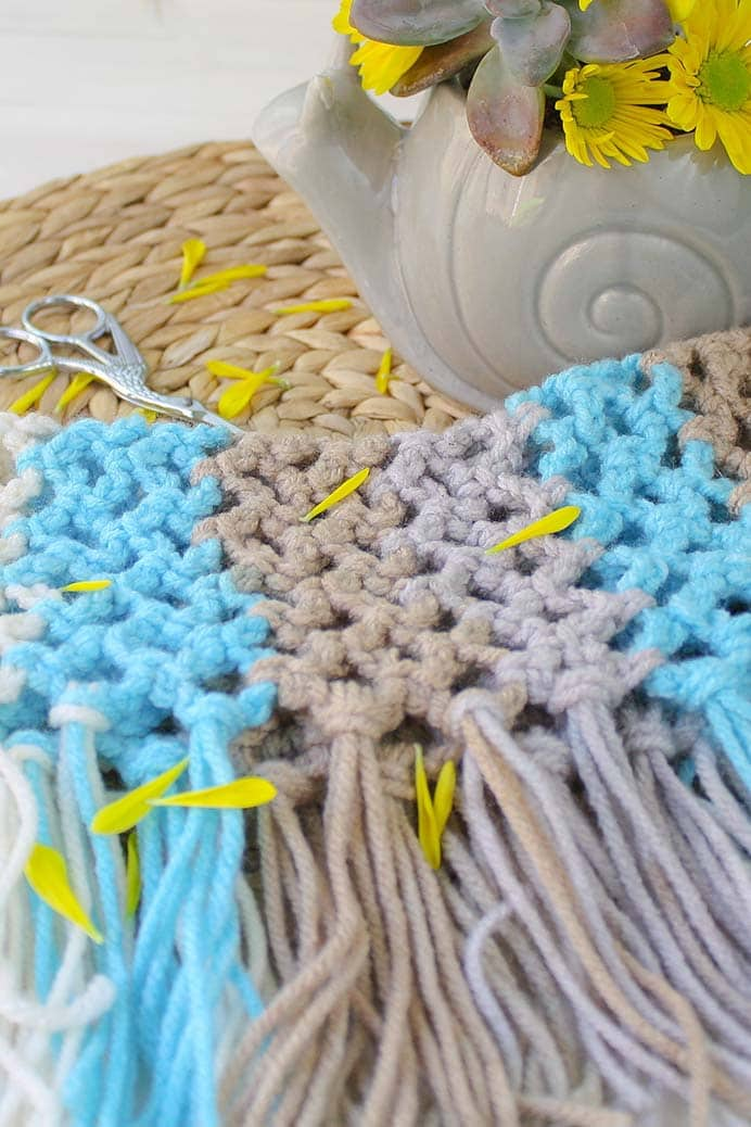 Summer Weight Fringe Cowl. No reason to stop wearing cowls just because the weather is warming up, so Lindsey believes from Winding Road Crochet. Her fringe cowl design uses light, airy mesh stitch. Take a look at Lindsey's free pattern. Please share and make Mondays fun, get our craft inspiration delivered to your inbox - CraftyLikeGranny.com #crochet #crocheting #crochetpattern