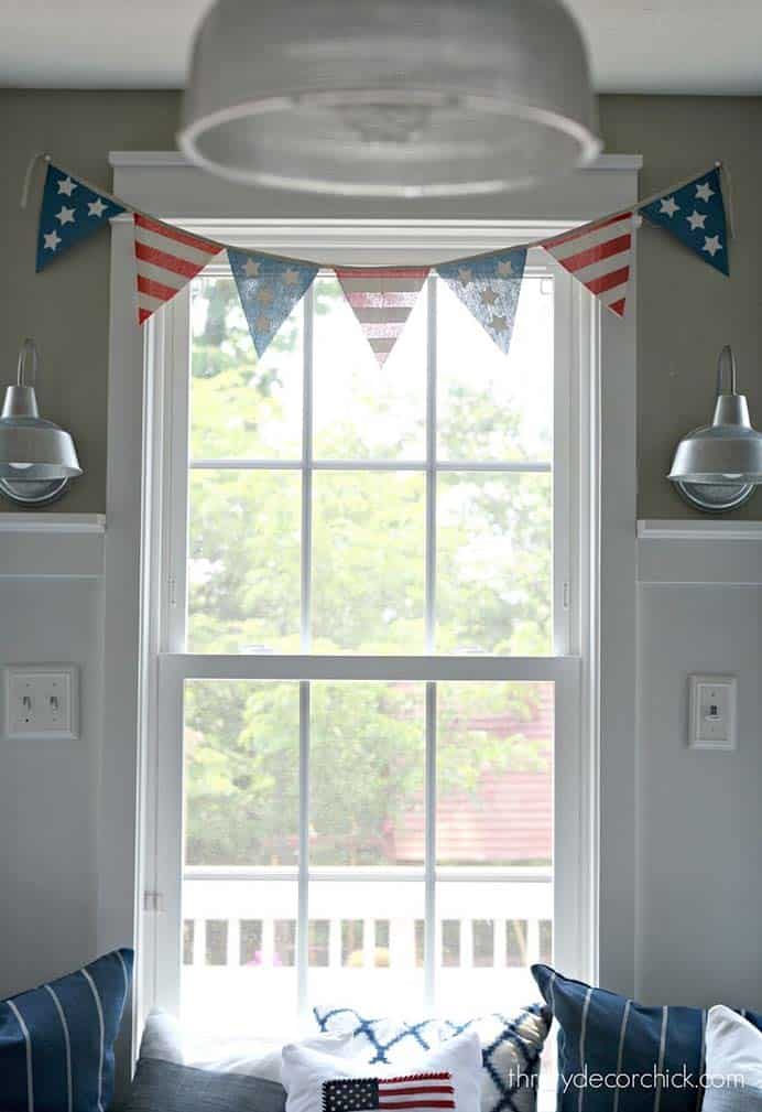 Easy And Quick Fourth Of July Ideas. Sarah from Thrifty Decor Chick shares her quick and easy Fourth of July DIY home decor projects. A great selection of craft ideas that won't take long and can use items you already have at home. Please share and make Mondays fun, get our craft inspiration delivered to your inbox - CraftyLikeGranny.com #fourthofjuly #diy #craft #homedecor