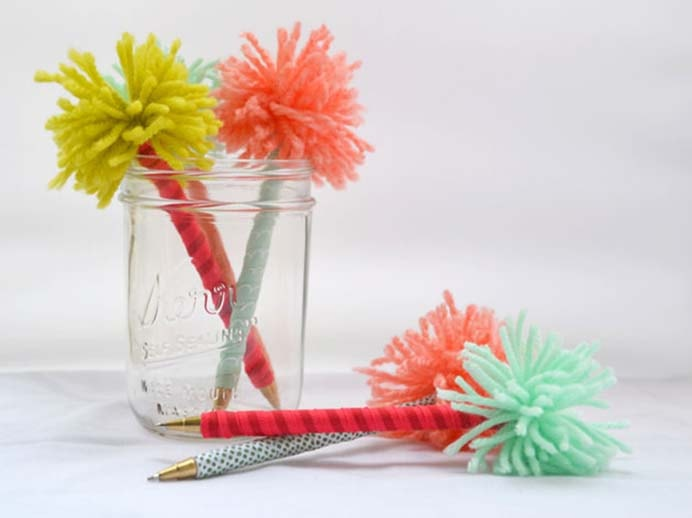 Ribbons and pom poms are used to create these gorgeous pens. A great way to use up scrap yarn. Follow Dena's tutorial on Hearts and Sharts. Please share and make Mondays fun, get our craft inspiration delivered to your inbox - CraftyLikeGranny.com #backtoschoolcrafts #kidscrafts #DIY
