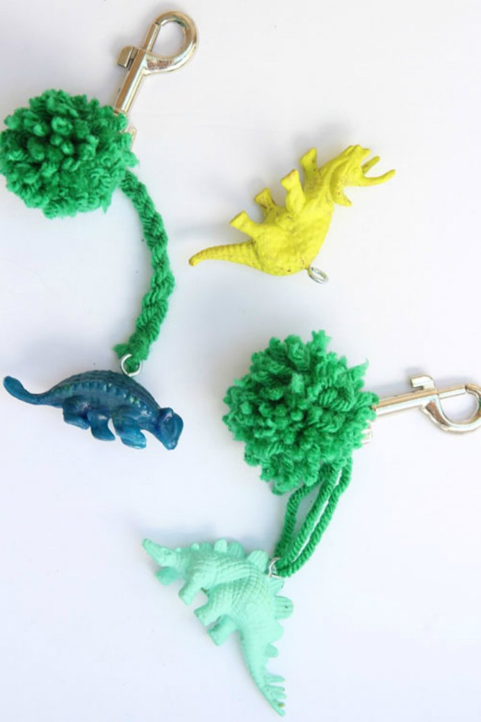Simple to do and fun for the kids to get involved with. Their back packs will look super cool with these DIY charms by One Little Project. Please share and make Mondays fun, get our craft inspiration delivered to your inbox - CraftyLikeGranny.com #backtoschoolcrafts #yarncraft #diy #kidscraft