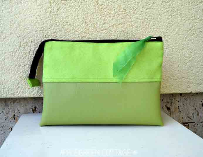 Cosmetic Bag Sewing Tutorial. A sewing project that creator Damjana from Apple Green Cottage describes as easy. The tutorial provides you with a free template for the cosmetic bag and clear instructions. The choice of color is up to you! Please share. Look forward to Mondays with our craft inspiration newsletter. Crafty goodness delivered to your inbox - CraftyLikeGranny.com #sewing #sewingtutorial #beginnersewing