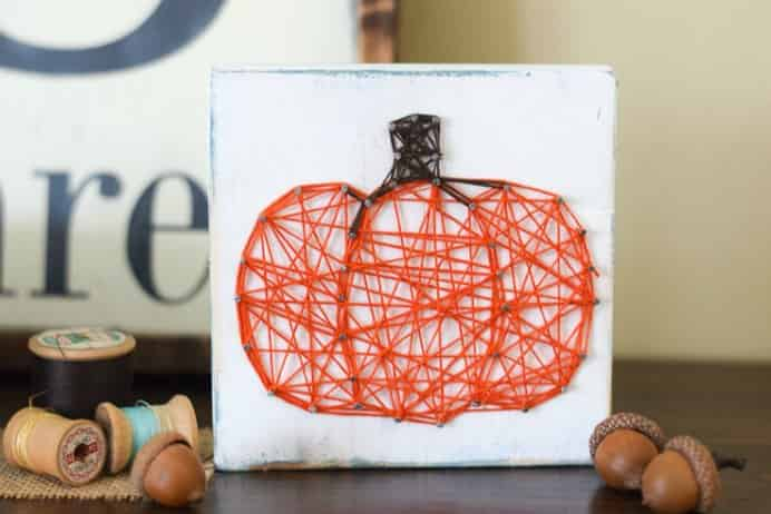 Simple and effective DIY string art to bring fall into your home. With the theme of a pumpkin it looks delightful. Follow Kelly from Typically Simple's tutorial here. Please share. Join now for creative craft inspiration. The best in craft delivered to your inbox every Monday - CraftyLikeGranny.com #yarncraft #diy #stringart