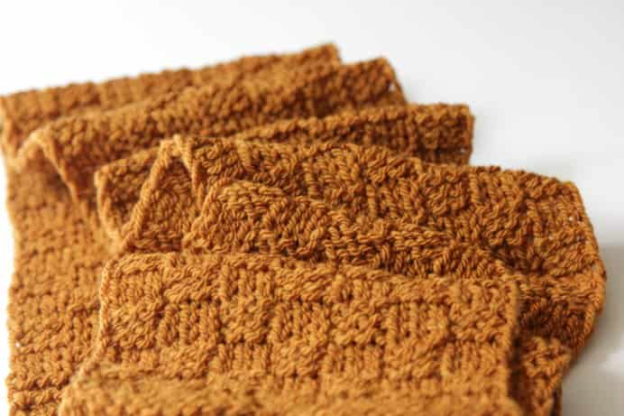 Heidi from Hands Occupied has created this free knitting pattern, suitable for fall with texture and masculinity. Would make a lovely hand made gift for the special men in your life. #knitting Please share. Make Mondays more manageable and sign up for our craft inspiration newsletter. Delivered to your inbox - CraftyLikeGranny.com #knitting #knit #knittingpattern