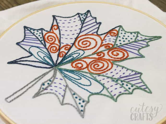 Celebrating craft ideas for fall needed to include this gorgeous free pattern by Jessica at Cutesy Crafts. With inspiration from coloring book designs, the leaf pattern comes up a treat. Leaf Design free-embroidery-pattern. Please share. Sign up to our craft inspiration roundup newsletter and make Mondays more manageable. Fabulous Crafty ideas and projects delivered to your inbox - CraftyLikeGranny.com #embroidery #embroideryhoop #needlecraft