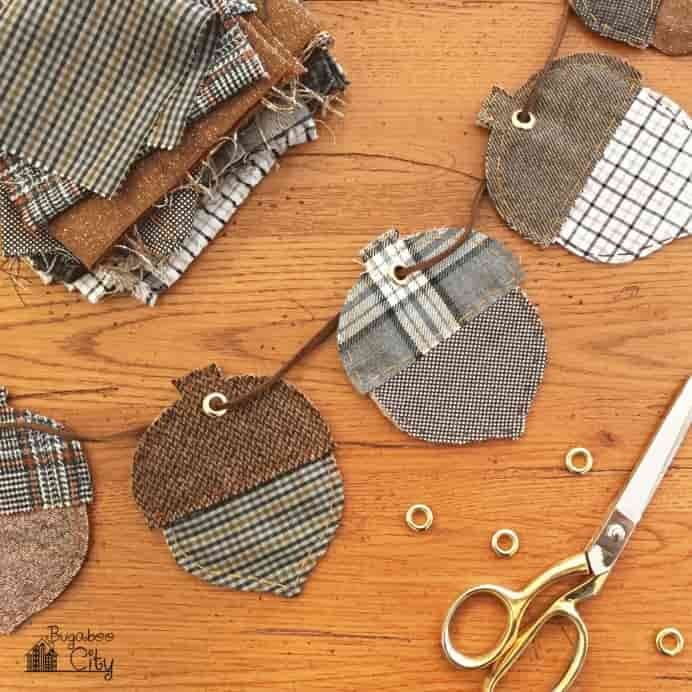 Acorn-DIY-Autumn-Banner Sew Thanksgiving decorations. Please share. Join now for creative craft inspiration. The best in craft delivered to your inbox every Monday - CraftyLikeGranny. #thanksgivingcrafts #fallcrafts #sewing