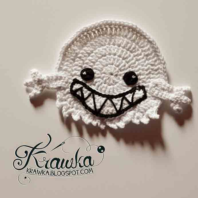 Follow Krawka's simple crochet pattern to make these gorgeous ghost coasters. On her blog you will find other variations of halloween themed coasters, you might like to try out. Please share. Sign up to our craft inspiration roundup newsletter and make Mondays more manageable. Fabulous Crafty ideas and projects delivered to your inbox - CraftyLikeGranny.com #halloweencrafts #crochet #crochetpattern