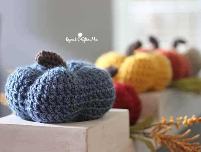 Repeat Crafter Me Crochet Pumpkins will make a delightful addition to your Thanksgiving decorations. Please share. Look forward to Mondays with our craft inspiration newsletter. Crafty goodness delivered to your inbox - CraftyLikeGranny.com #thanksgivingcrafts #thanksgivingideas #craft #diy