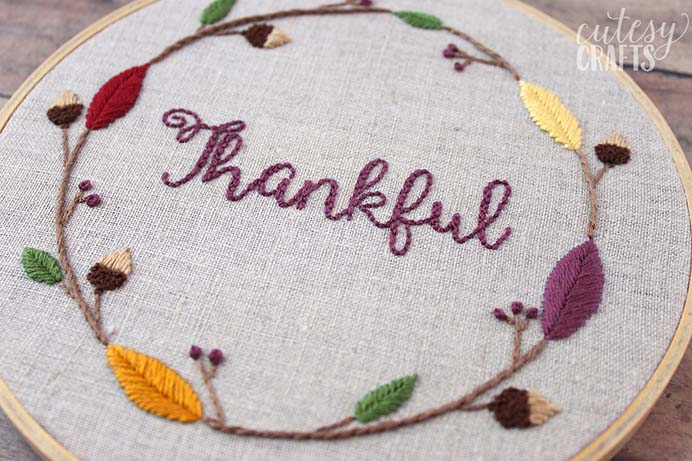 Thanksgiving Embroidery Hoop Pattern. A lovely handmade decoration for Thanksgiving. Jessica from Cutesy Crafts shares her embroidery hoop design on Polka Dot Chair. Please share and make Mondays fun, get our craft inspiration delivered to your inbox - CraftyLikeGranny.com #thanksgivingcrafts #embroideryhoopdesign #craft
