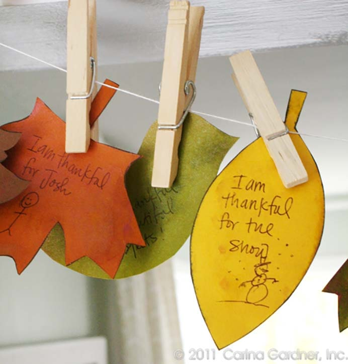 Giving Thanks Banner. A simple and easy to make leaf banner project by Carina. Follow her tutorial and get the whole family involved with writing messages of thanks. Please share. Join now for creative craft inspiration. The best in craft delivered to your inbox every Monday - CraftyLikeGranny.com #Thanksgivingcrafts #diy #crafts