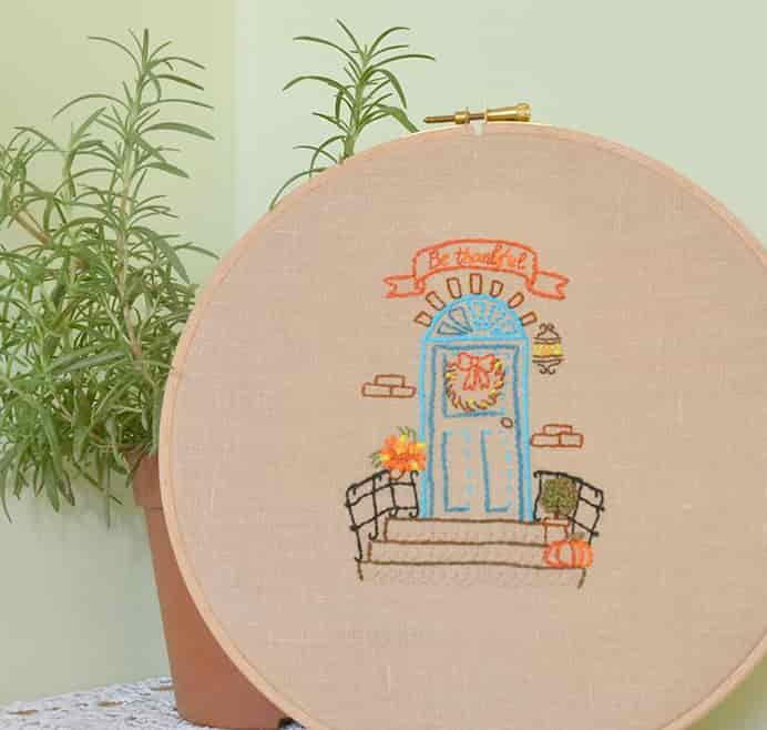 Thanksgiving Hand Embroidery Hoop free pattern from Craftsy.Please share. Join now for creative craft inspiration. The best in craft delivered to your inbox every Monday - CraftyLikeGranny.com #thanksgivingcrafts #thanksgivingideas #crafts #diy