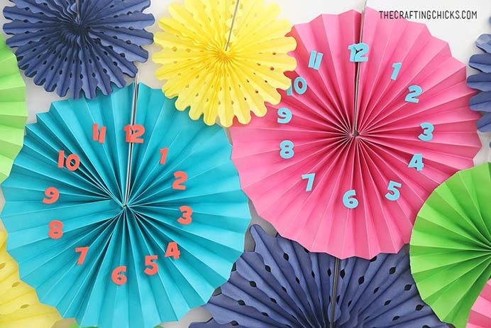 If you love inspiration for NYE party themes, the ideas in this post from the Crafting Chicks look fabulous. Check out how to make a clock backdrop. Please share and make Mondays fun, get our craft inspiration delivered to your inbox - CraftyLikeGranny.com #newyears #newyearseve #diycrafts