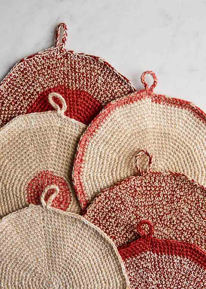 Cooks Pot Holders. You can always do with pot holders. A simple to follow Cooks Pot Holder crochet pattern to begin your handmade collection, by Purl Soho.Please share. You will always look forward to Mondays, with our craft inspiration roundups -CraftyLikeGranny.com #crochet
