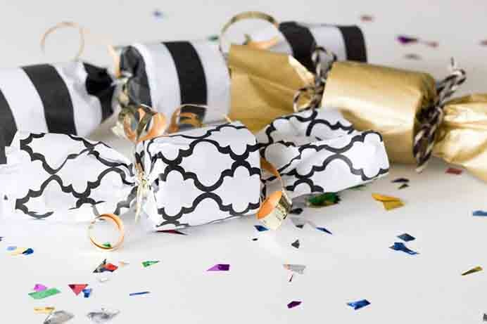 Using recycled materials and gift paper you have in your cupboard, you can very easily create Confetti Poppers. Use Erin Spain's tutorial for how to make them. Please share. Join now for creative craft inspiration. The best in craft delivered to your inbox every Monday - CraftyLikeGranny.com #newyearparty