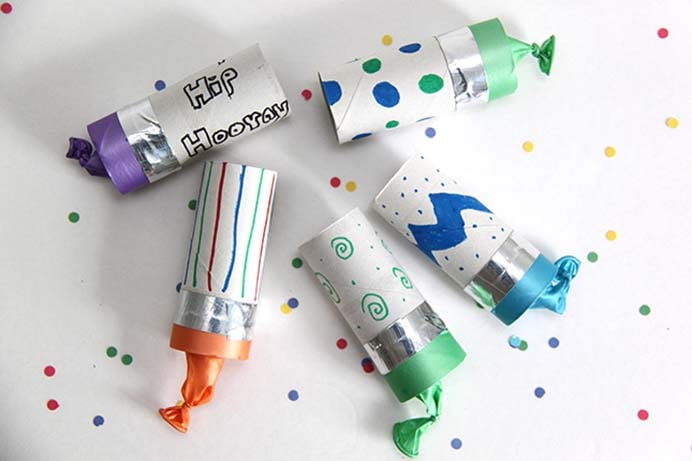 DIY Confetti Poppers. Kids will love to get involved creating these confetti poppers. Using recycled toilet tubes, they turn out great! Use colored markers to make them stand out. Follow the tutorial on Smashed Peas and Carrots. Please share. You will always look forward to Mondays, with our craft inspiration roundups -CraftyLikeGranny.com #newyears #newyearseve #diycrafts