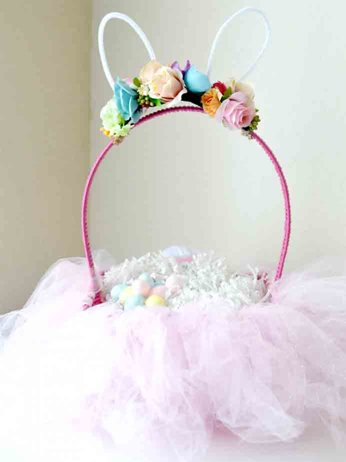 DIY Easter Bunny Tutu Basket. Make an Easter basket that will definitely stand out! Jasmine from Stylish Cravings has an easy to follow DIY tutorial. Please share and make Mondays fun, get our craft inspiration delivered to your inbox - CraftyLikeGranny.com #EasterCrafts #easterbaskets #DIY