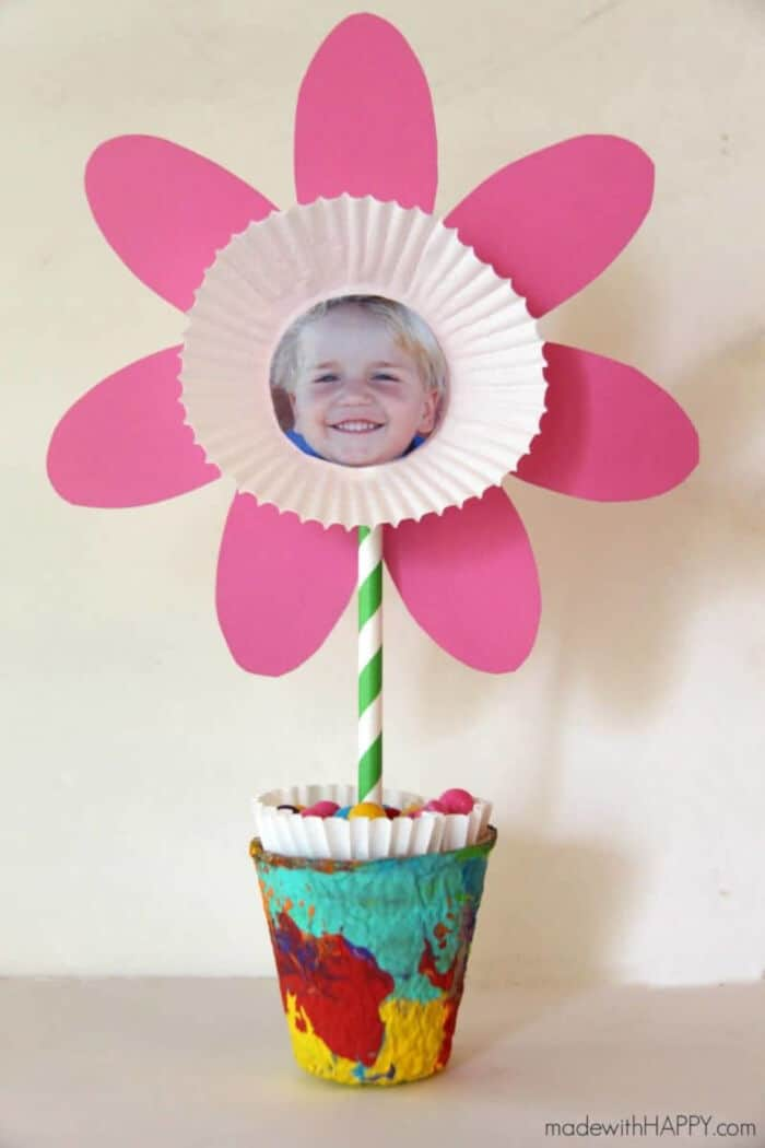 Picture Flower Kids Craft - Free Printable Flower by Made With Happy