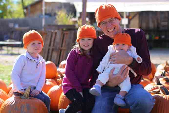 Cute And Cozy. The photos in this post just makes you want to knit one of these pumkin hats! A pattern that can be worn by all members of the family and they'd all look so cute! Get amongst some harvested pumpkins and there is a perfect photo opportunity. Nancy from Nancy On The Home Front shares her knitting pattern. Please share. Sign up to our craft inspiration roundup newsletter and make Mondays more manageable. Fabulous Crafty ideas and projects delivered to your inbox - CraftyLikeGranny.com #pumpkincrafts #knitting #knittedhatpattern