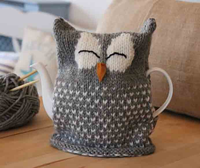I'd love to knit this design! Years ago we had an owl live in our garden for a few weeks. It was such a delight to see it perched on the branch sleeping through the day. There is also something special about drinking tea from a real teapot :) Please share. The best in craft delivered to your inbox every Monday - CraftyLikeGranny.com #knitting #knittingpatterns #knit