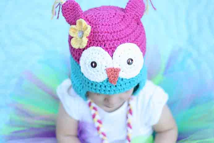 Such a sweet design for a toddler hat. Follow Lauren's free toddler crochet hat pattern on Daisy Cottage Designs. Please share. Make Mondays more manageable and sign up for our craft inspiration newsletter. Delivered to your inbox - CraftyLikeGranny.com #knitting #knittingpatterns #knit