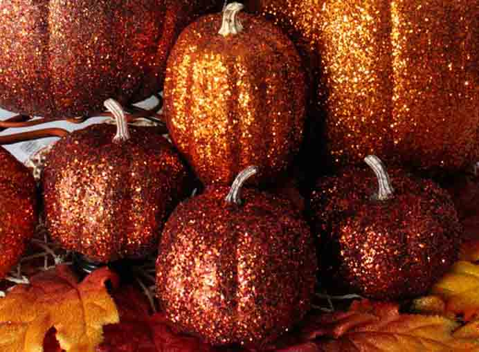 Who Loves A Bit Of Glitter? A chance to bring a bit of glitter into your home decorating for fall. Such a simple and effective idea using some glue, fake pumpkins and you guessed it - glitter! Follow Two Sisters Crafting's tutorial. Please share. Make Mondays more manageable and sign up for our craft inspiration newsletter. Delivered to your inbox - CraftyLikeGranny.com #pumpkincrafts #DIY #Craft