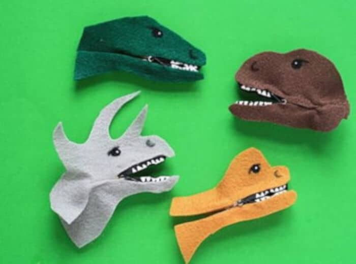 Adorable Clothespin Dinosaurs by Free Kids Crafts