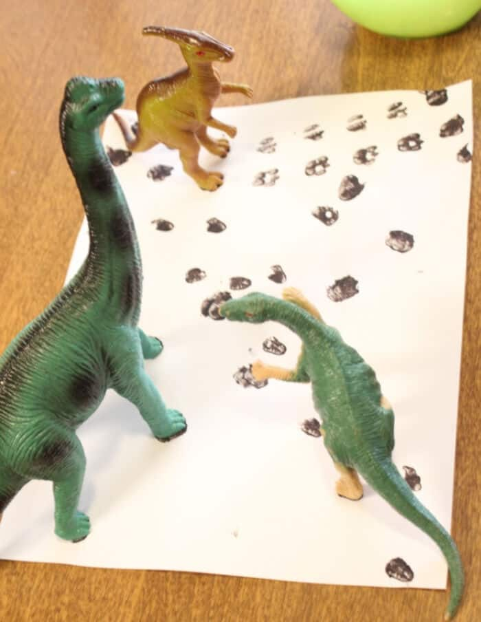 Dinosaur Tracks Matching Activity by Mom Endeavors