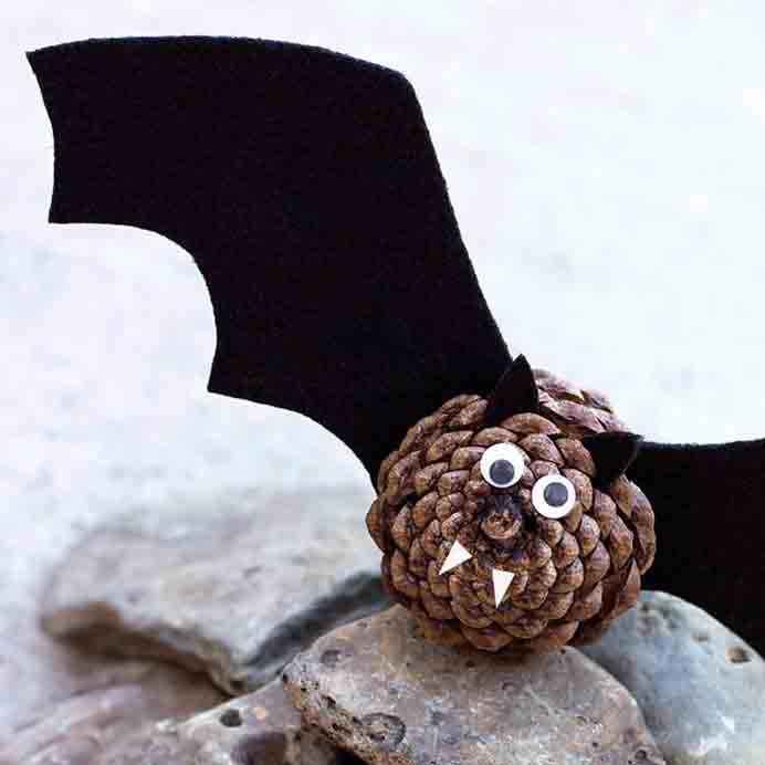 Using materials from nature is always fun. Kids can head outdoors to collect their pinecones and then make them into bats. Melissa from Fireflies and Mudpies has the step by step instructions to follow. Please share. The best in craft delivered to your inbox every Monday - CraftyLikeGranny.com #halloweencraftforkids #halloweencrafts #kidscraft