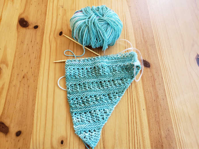 Jodie Knitting Ridged Shawl by Plymouth Yarns