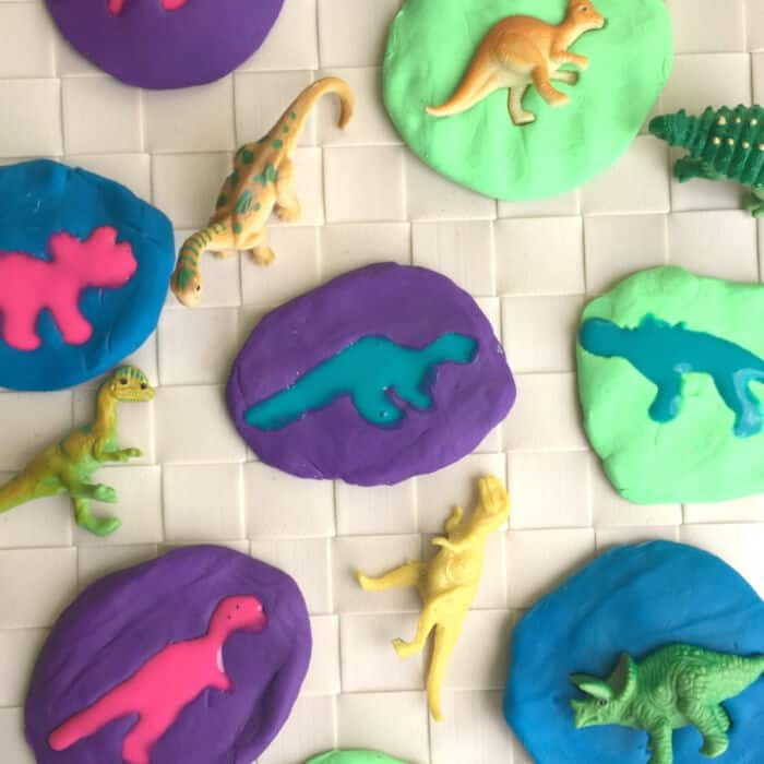 Paper Dinosaur Egg Kids Craft by Easy Peasy Creative