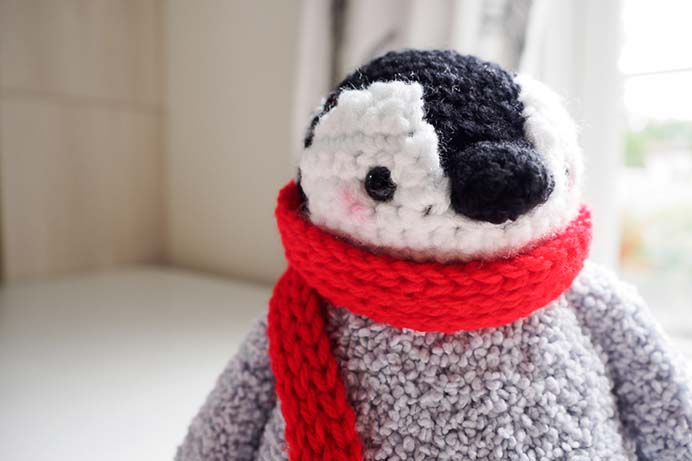 Crochet A Toy That Will Be Forever Loved. A baby penguin amigurumi toy would make such a lovely gift. Chi Wei from One Dog Woof has a very detailed tutorial and all the steps for the crochet pattern. The little red scarf is just darling :) Please share. Make Mondays more manageable and sign up for our craft inspiration newsletter. Delivered to your inbox - CraftyLikeGranny.com #penguins #crochetpattern #crochet